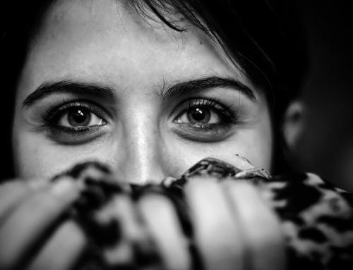 Wie man schwierige Gefühle zulassen kann (ohne unterzugehen)