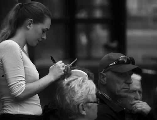 Vertraue niemandem, der Kellner und Kassierer schlecht behandelt