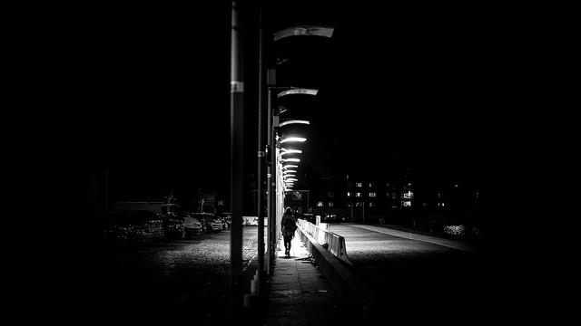 Die 4 Phasen Der Trauer Wie Man Trennungen Und Verluste