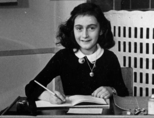 Anne Frank: 10 ergreifende Zitate eines tapferen Mädchens