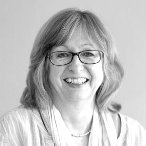 Ulrike-Hensel-Profilbild-schwarzweiss