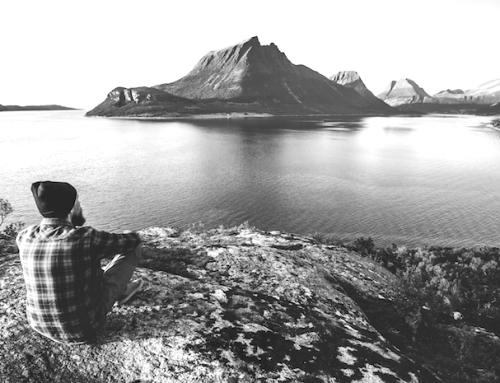 Die vergessene Kraft des Alleinseins (Podcast)