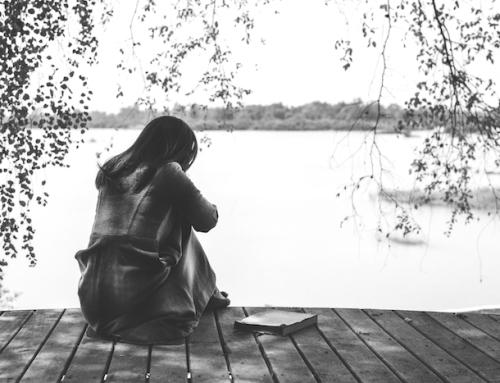 Warum wir bei Menschen bleiben, die uns weh tun (und wie wir uns schützen können)