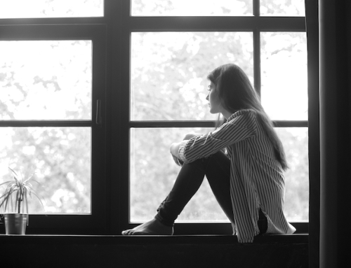 Halten Deine Eltern Dich unbewusst abhängig? So kannst Du Dich befreien